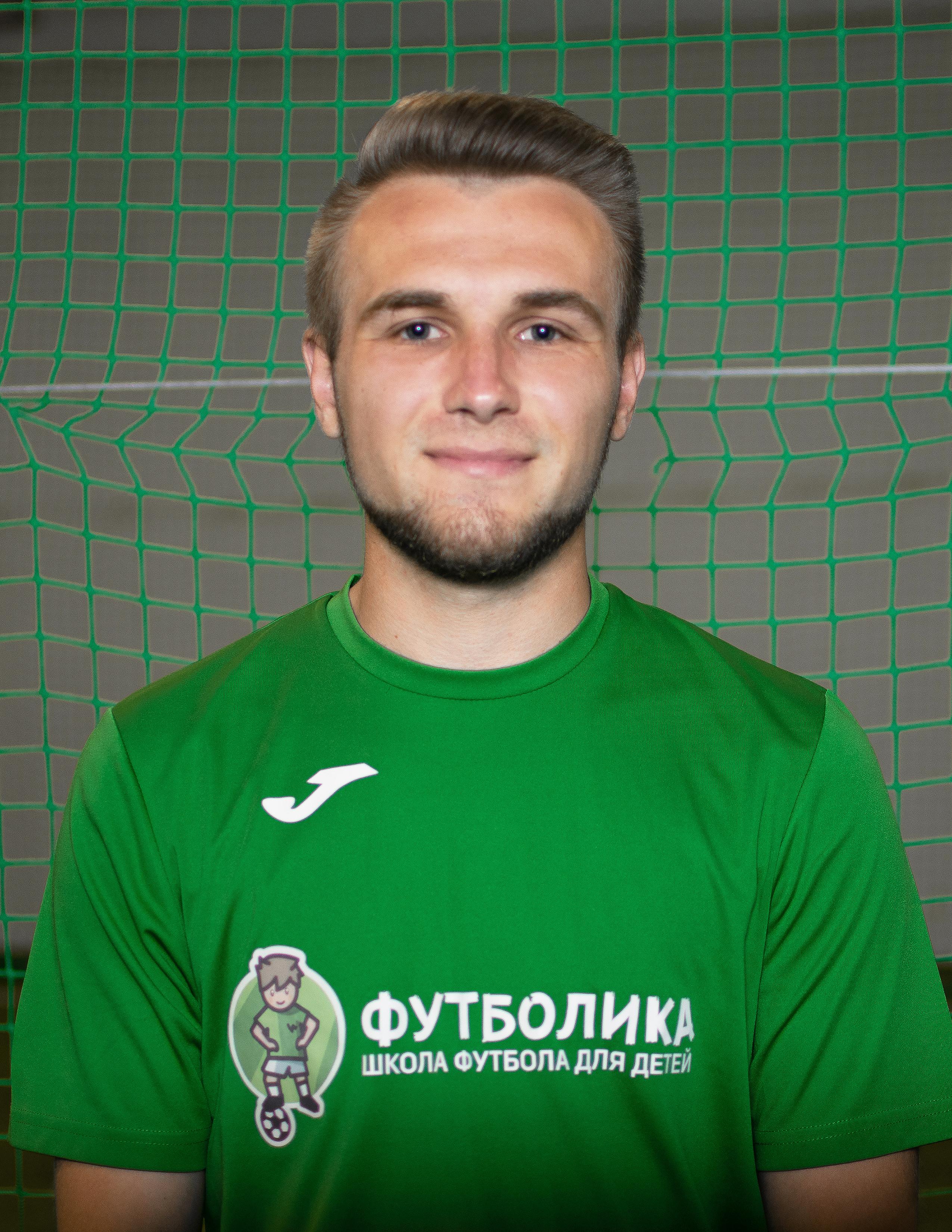 тренер футболики Сухарев Андрей